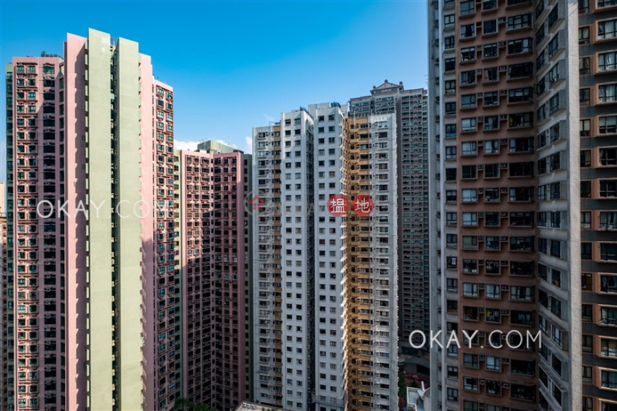 Charming 2 bedroom in Mid-levels West | For Sale | Scenecliff 承德山莊 Sales Listings