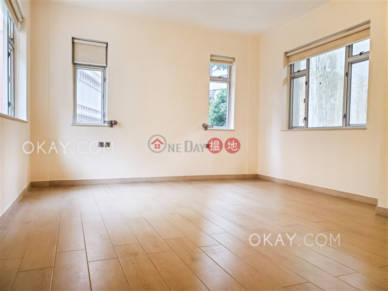 Nicely kept 3 bedroom with balcony | Rental | 63 Macdonnell Road 麥當勞道63號 Rental Listings