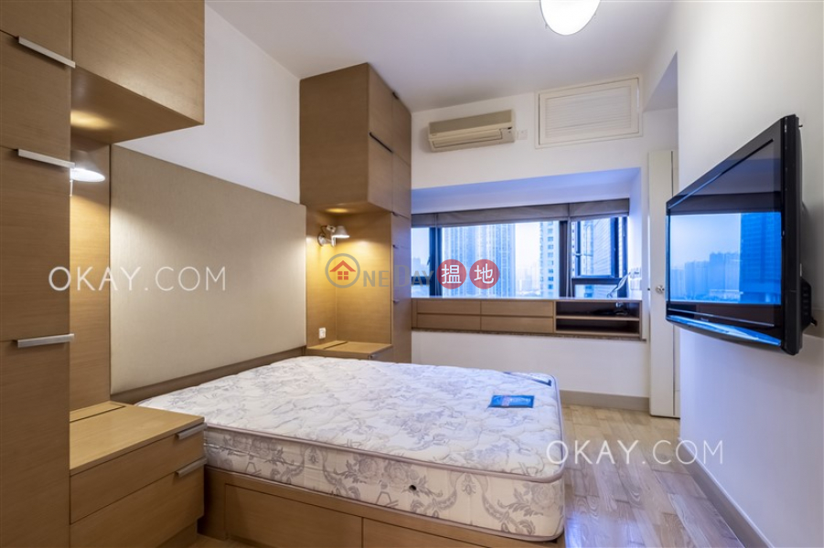 Nicely kept 2 bedroom with sea views | Rental | The Arch Sky Tower (Tower 1) 凱旋門摩天閣(1座) Rental Listings