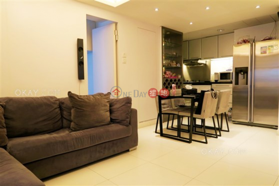 HK$ 12.8M Paterson Building Wan Chai District, Tasteful 3 bedroom with balcony | For Sale