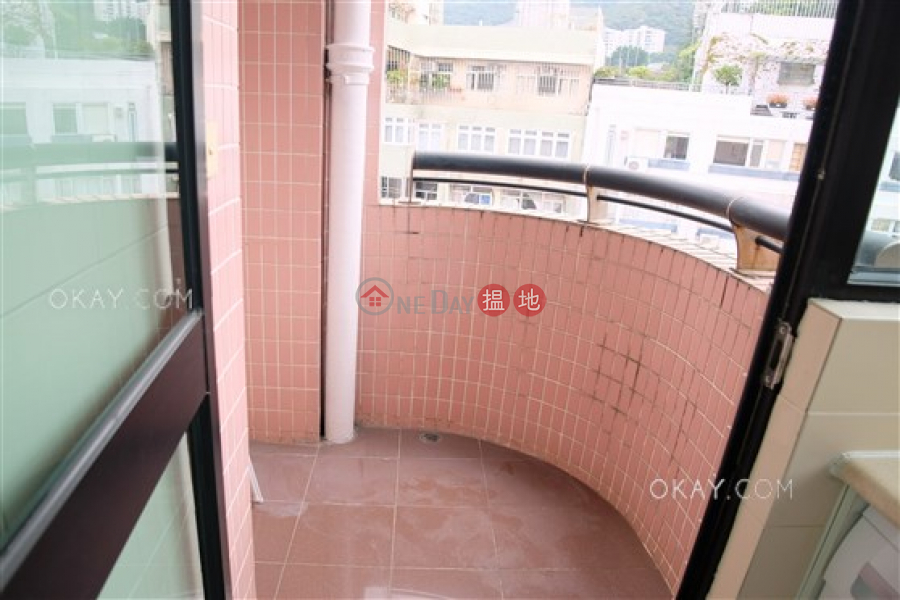 HK$ 15.8M Village Garden, Wan Chai District | Nicely kept 3 bed on high floor with balcony & parking | For Sale