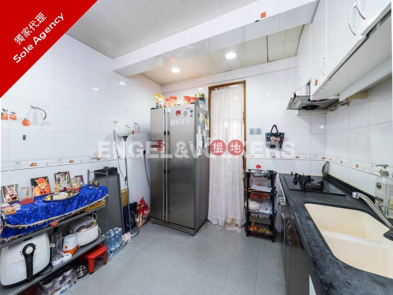 2 Bedroom Flat for Sale in Pok Fu Lam, Block 28-31 Baguio Villa 碧瑤灣28-31座 Sales Listings | Western District (EVHK84278)
