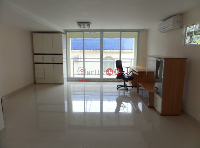 HK$ 28,800/ 月家樂閣-大嶼山-Newly Renovated 2100 sqfts with 5 Bedrooms + 700 sqfts Cover Roof Top