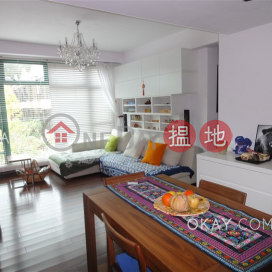 Lovely 3 bedroom with terrace & parking   Rental