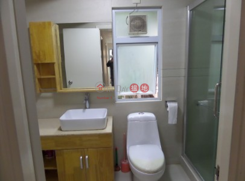 Newly Renovated 2100 sqfts with 5 Bedrooms + 700 sqfts Cover Roof Top|2銀運路 | 大嶼山香港|出租HK$ 28,800/ 月