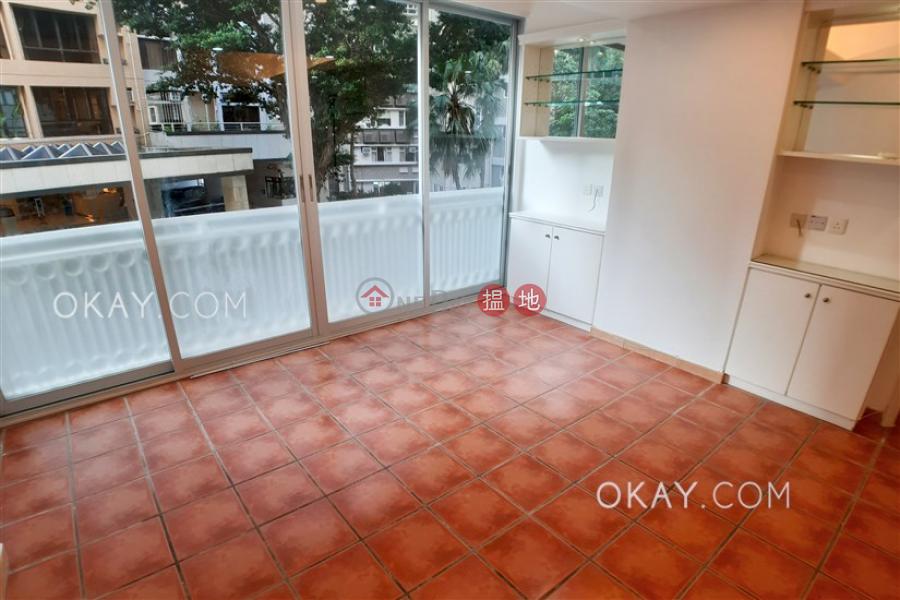 Stylish 3 bedroom in Mid-levels West | Rental | Hanwin Mansion 慶雲大廈 Rental Listings