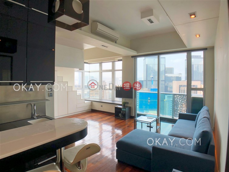 Tasteful high floor with harbour views & balcony | Rental | 60 Johnston Road | Wan Chai District | Hong Kong, Rental HK$ 30,000/ month