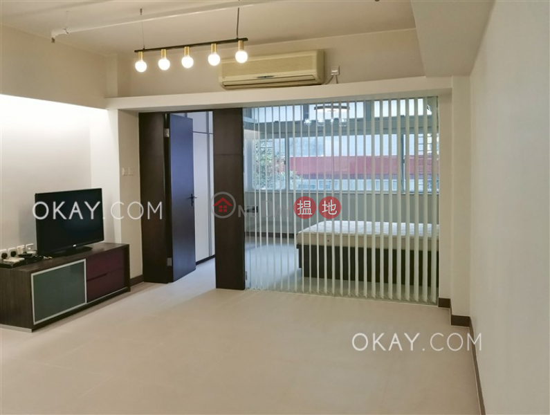HK$ 25,000/ month | Tai Shing Building | Western District Charming 1 bedroom in Sheung Wan | Rental