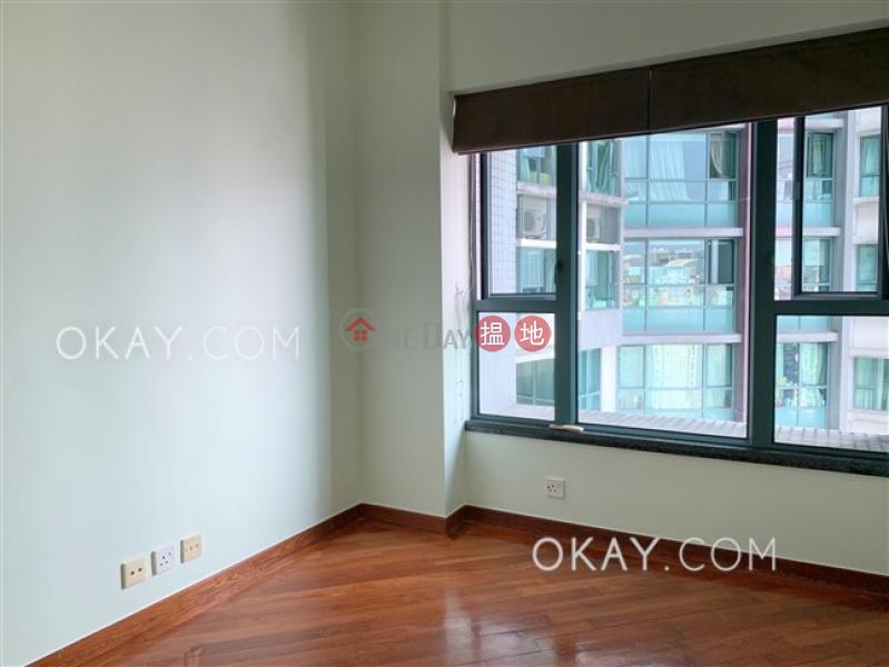 HK$ 50,000/ 月羅便臣道80號-西區3房2廁,星級會所,可養寵物《羅便臣道80號出租單位》