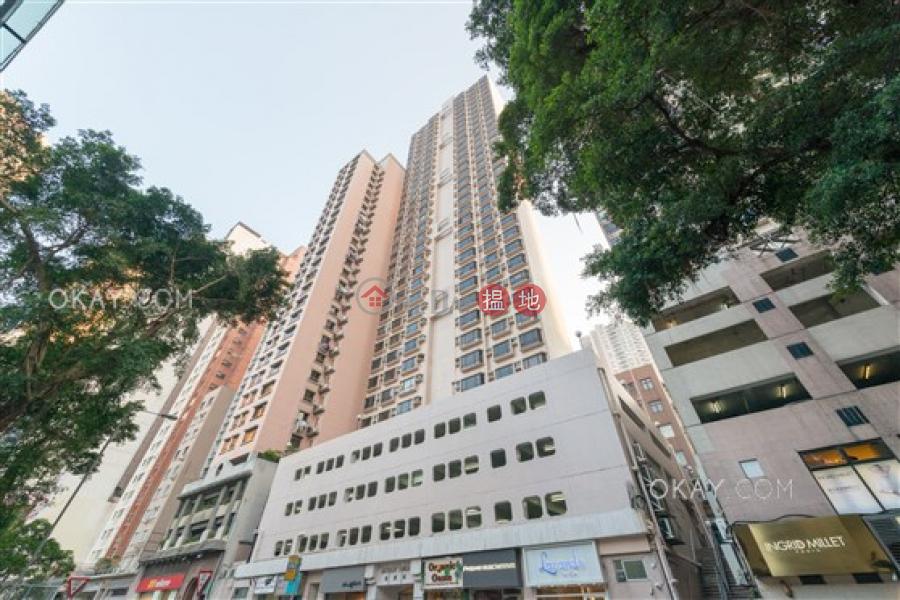 Stylish 3 bedroom on high floor | Rental, Skylight Tower 嘉麗苑 Rental Listings | Western District (OKAY-R96737)
