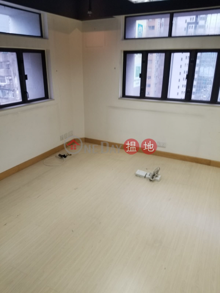 HK$ 27,174/ month Chang Pao Ching Building, Wan Chai District TEL: 98755238