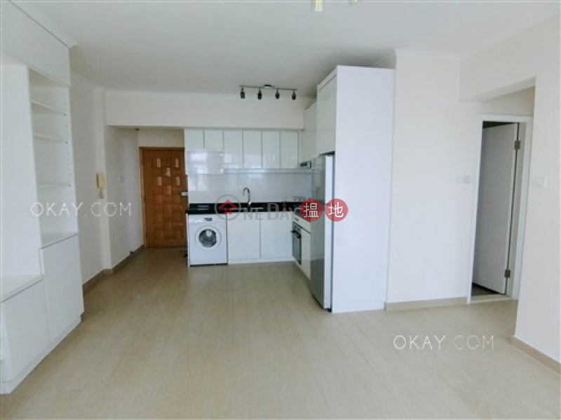 Nicely kept 3 bedroom in Mid-levels West | For Sale, 135-137 Caine Road | Central District Hong Kong Sales HK$ 12M