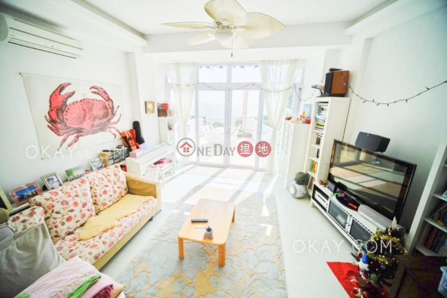 Nicely kept house on high floor with sea views | For Sale | Cheung Chau Peak Villa Block D 長洲山頂花園 E座 Sales Listings