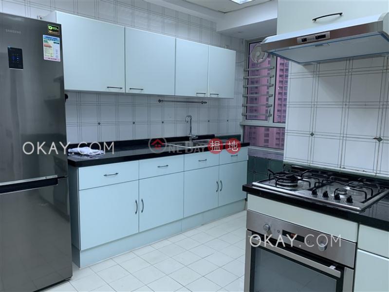 HK$ 70,000/ 月 地利根德閣-中區3房2廁,極高層,星級會所,連車位《地利根德閣出租單位》