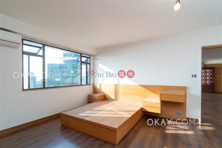 Efficient 2 bed on high floor with sea views & rooftop | For Sale | Block 45-48 Baguio Villa 碧瑤灣45-48座 Sales Listings