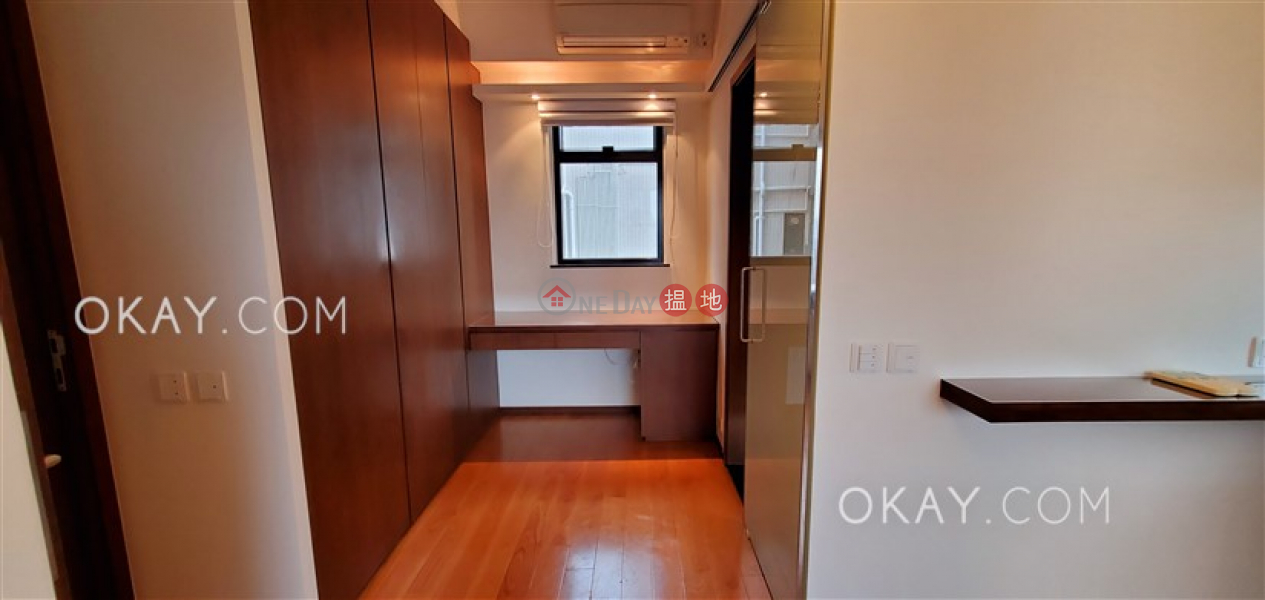 HK$ 34,000/ month | Floral Tower, Western District | Stylish 2 bedroom on high floor with sea views | Rental
