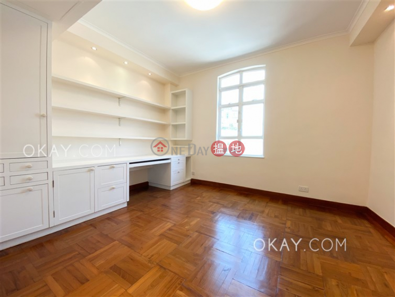 HK$ 250,000/ month | Circle Lodge Southern District | Stylish house with sea views, rooftop & balcony | Rental