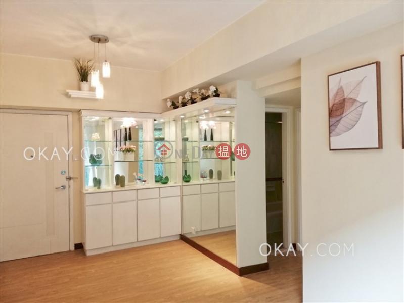 Generous 2 bedroom with balcony | Rental, Scenecliff 承德山莊 Rental Listings | Western District (OKAY-R48982)