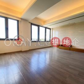 Exquisite 2 bedroom with parking | Rental