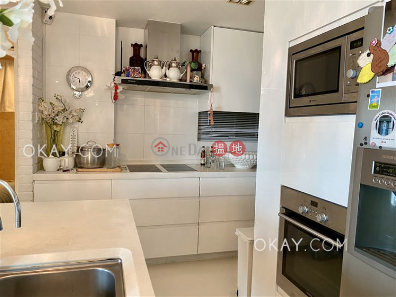 HK$ 35M | Discovery Bay, Phase 13 Chianti, The Lustre (Block 5),Lantau Island Exquisite 4 bed on high floor with sea views & balcony | For Sale