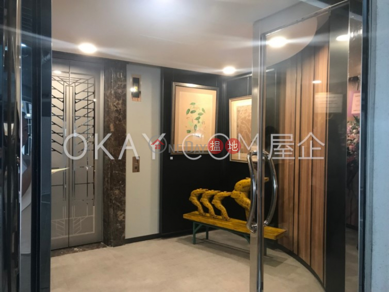 HK$ 59,000/ month C.C. Lodge Wan Chai District, Gorgeous 3 bedroom with parking | Rental