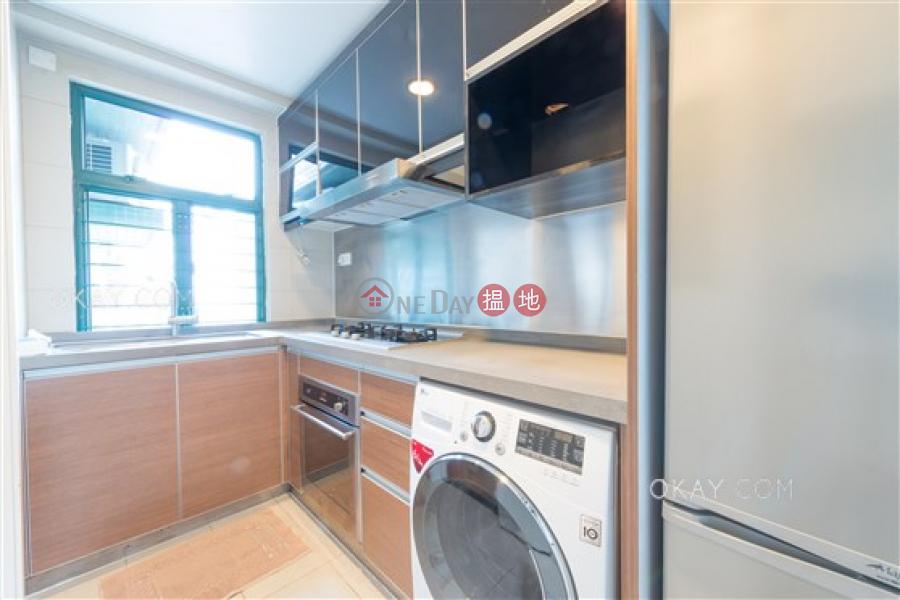 HK$ 33,000/ month Peaksville Western District Popular 3 bedroom in Mid-levels West | Rental