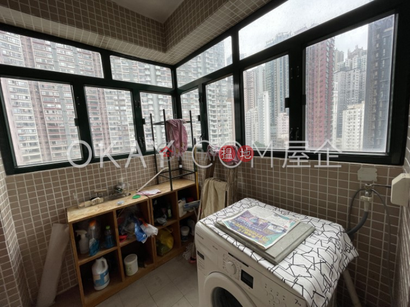 HK$ 36,000/ month, Dragon Court Western District | Charming 3 bedroom on high floor with sea views | Rental