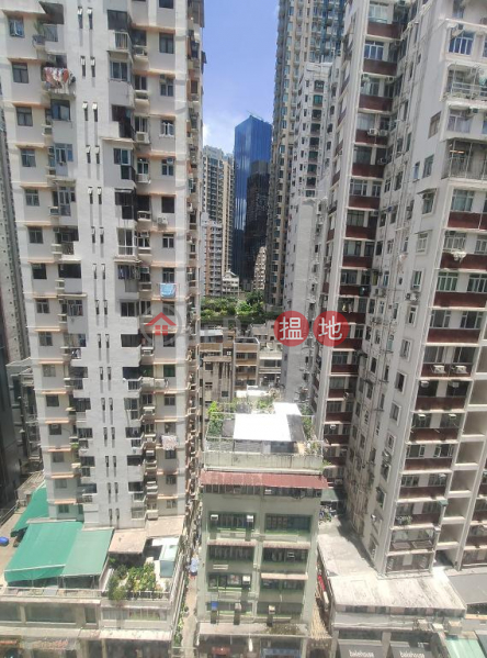 Flat for Rent in Hing Wong Court, Wan Chai 21-23 Tai Wong Street East | Wan Chai District Hong Kong, Rental HK$ 16,000/ month