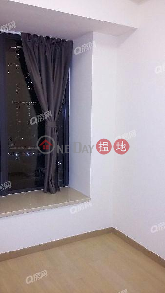 HK$ 60,000/ month, Grand Austin Tower 3 Yau Tsim Mong, Grand Austin Tower 3   2 bedroom Mid Floor Flat for Rent