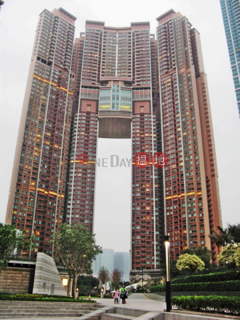 3 Bedroom Family Flat for Rent in West Kowloon|The Arch(The Arch)Rental Listings (EVHK41472)_0