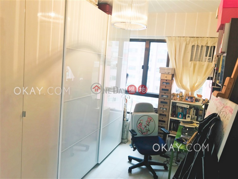 HK$ 35,000/ month, Seaview Garden   Eastern District Rare 2 bedroom with harbour views, balcony   Rental
