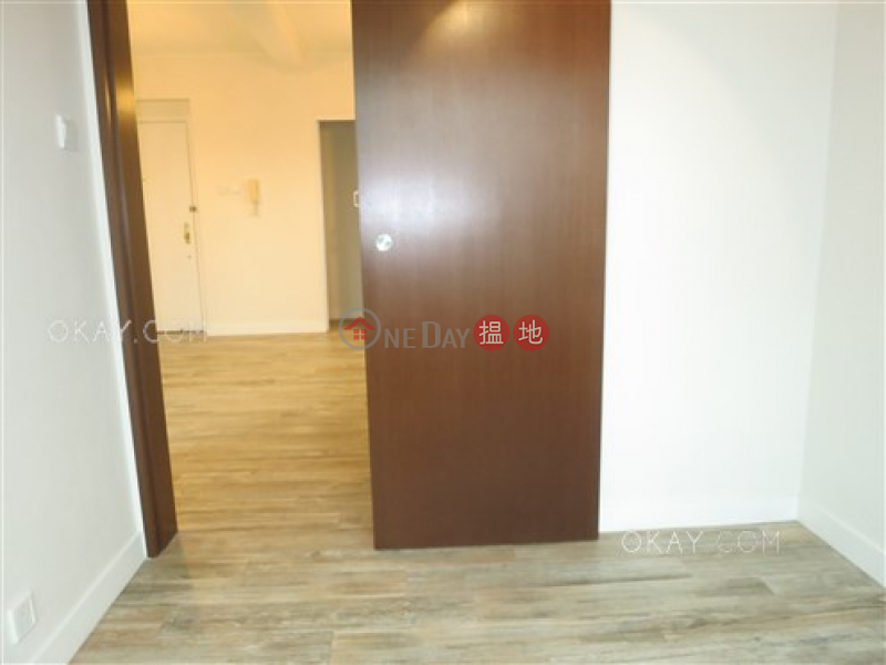 Charming 1 bedroom on high floor with harbour views | Rental 8 U Lam Terrace | Central District Hong Kong | Rental | HK$ 27,000/ month
