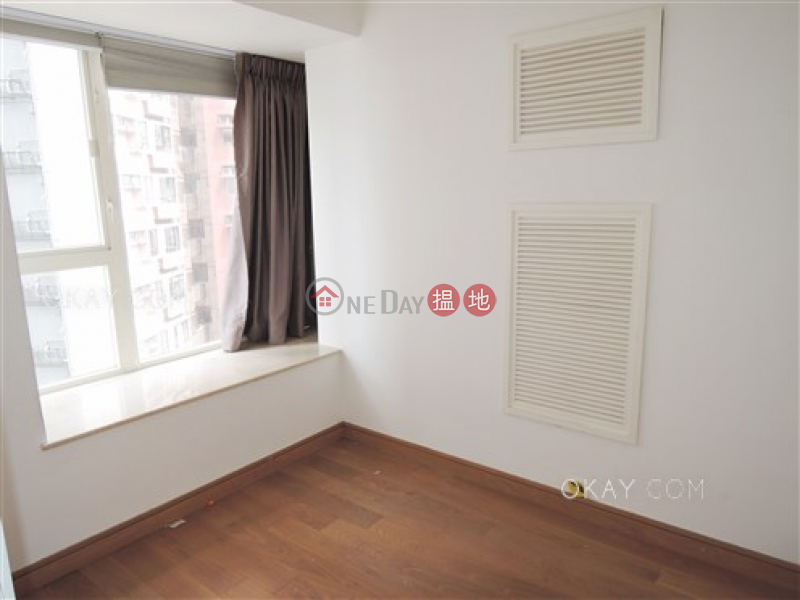 Elegant 2 bedroom with balcony | For Sale | Centrestage 聚賢居 Sales Listings