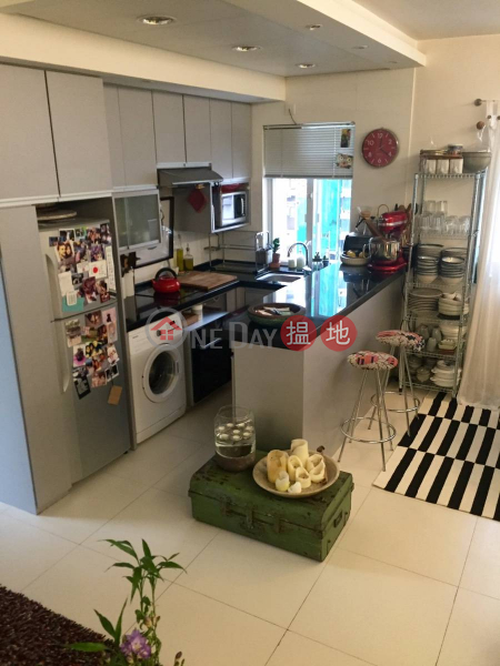 HK$ 13,000/ month, Caineway Mansion Central District Spacious, newly renovated, 2 Bedroom w Harbour View