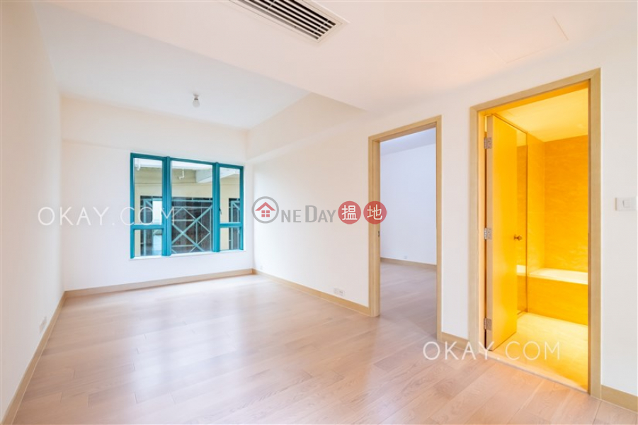 Beautiful house with sea views, rooftop & balcony | Rental | Phase 1 Regalia Bay 富豪海灣1期 Rental Listings