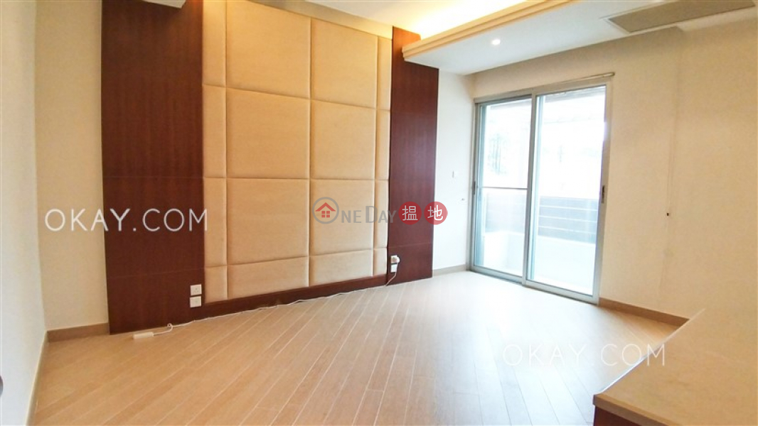 HK$ 99,000/ month Pine Villa Southern District | Luxurious 3 bedroom with balcony & parking | Rental