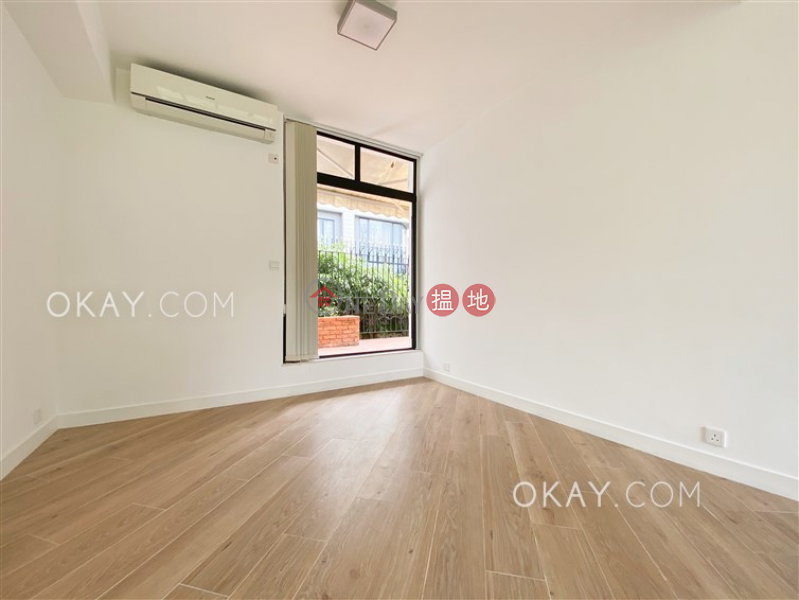 HK$ 68,000/ month Country Villa Southern District | Stylish 3 bedroom with terrace & parking | Rental