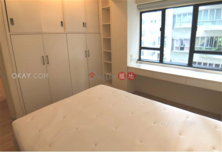HK$ 28,000/ month, Losion Villa | Western District Cozy 1 bedroom in Mid-levels West | Rental