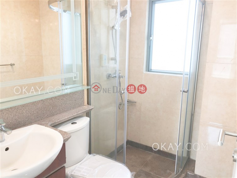 Unique 3 bedroom with balcony | For Sale, 2 Park Road 柏道2號 Sales Listings | Western District (OKAY-S46720)