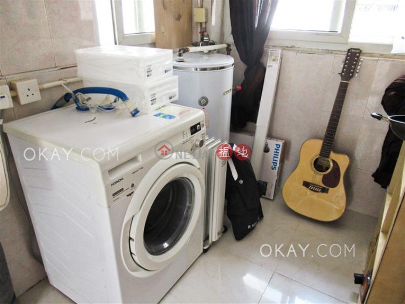Tasteful 2 bedroom on high floor with rooftop   For Sale   5-7 Sing Woo Road 成和道5-7號 Sales Listings