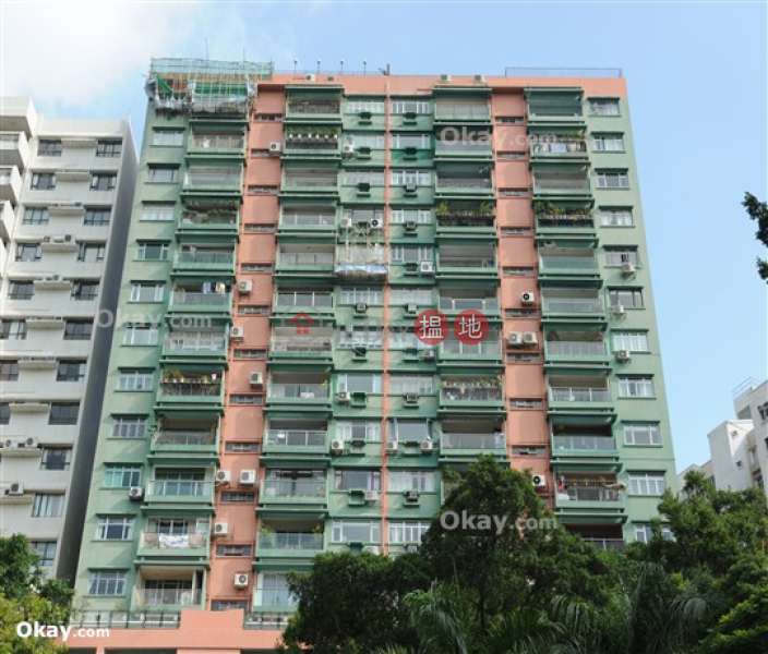 HK$ 70,000/ month POKFULAM COURT, 94Pok Fu Lam Road | Western District Efficient 3 bedroom with balcony & parking | Rental