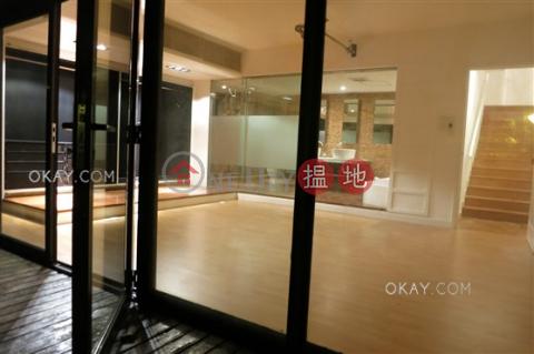 4房3廁,實用率高,連車位,露台東廬出租單位 東廬(Orient Crest)出租樓盤 (OKAY-R15602)_0