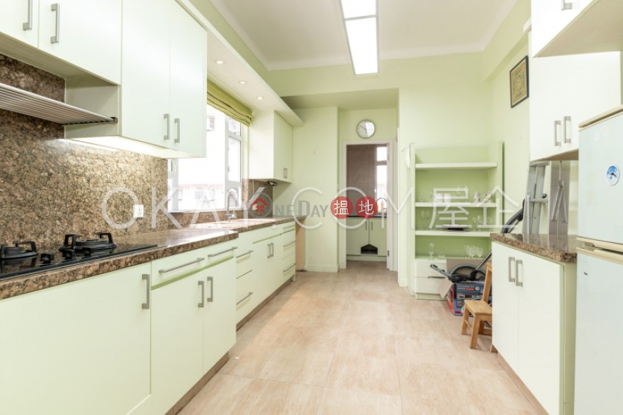 HK$ 32M, 4-10 Green Lane | Wan Chai District Luxurious 3 bed on high floor with rooftop & balcony | For Sale