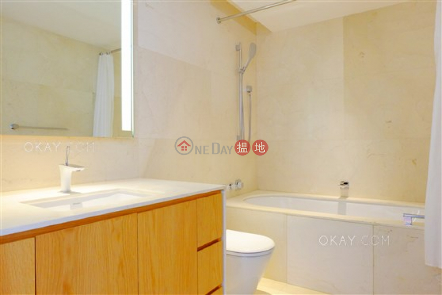 Luxurious 2 bedroom with balcony | Rental | Block 1 ( De Ricou) The Repulse Bay 影灣園1座 Rental Listings