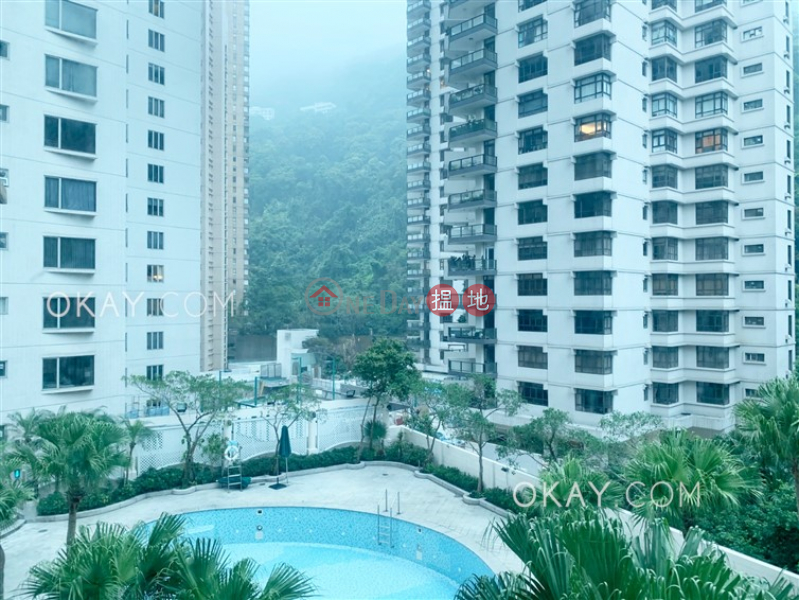 HK$ 40M Hillsborough Court | Central District | Stylish 3 bedroom with parking | For Sale