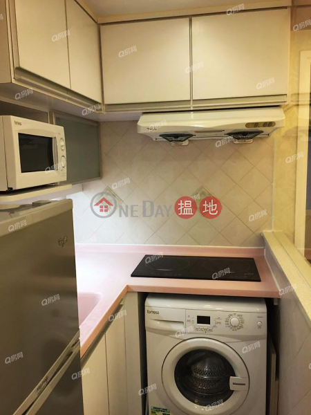 HK$ 6.98M | Tonnochy Towers Wan Chai District | Tonnochy Towers | 3 bedroom Mid Floor Flat for Sale