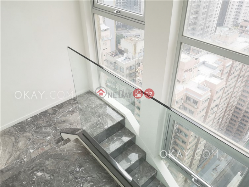 HK$ 22M | Lun Fung Court Western District, Gorgeous 2 bedroom on high floor with harbour views | For Sale