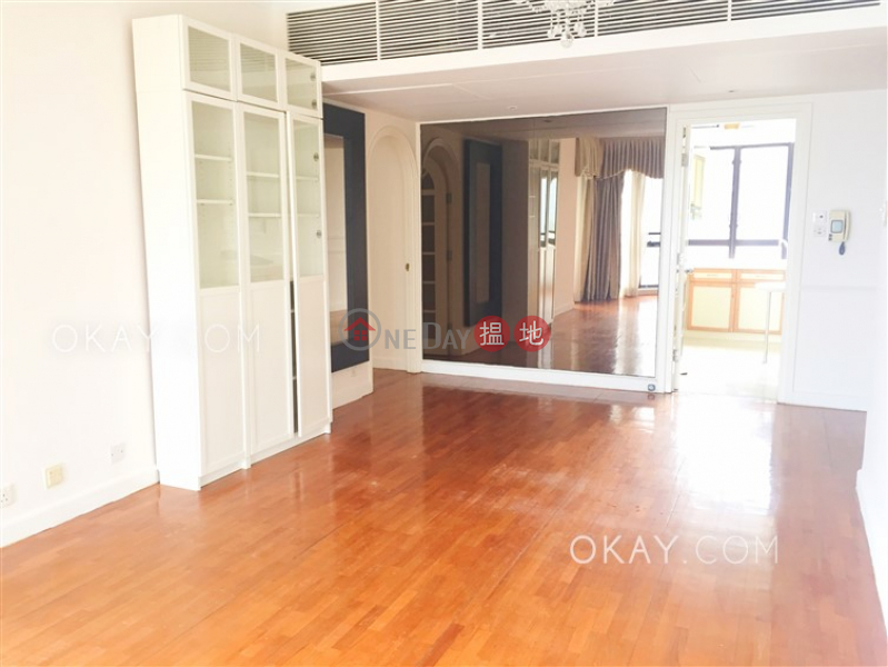HK$ 38M | Pacific View | Southern District | Gorgeous 3 bedroom with sea views, balcony | For Sale