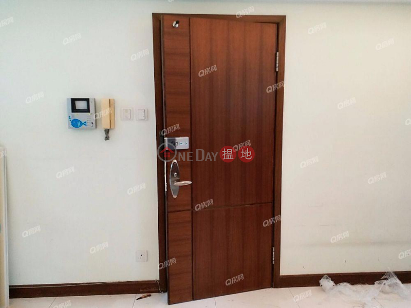 HK$ 16M | Royal Court Wan Chai District Royal Court | 3 bedroom Mid Floor Flat for Sale