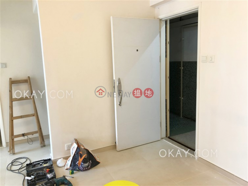 HK$ 25,000/ month | Pearl City Mansion, Wan Chai District | Tasteful 2 bedroom on high floor | Rental